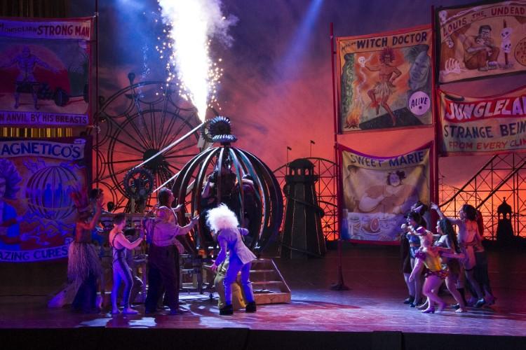 Image 2 for The Metropolitan Opera: Cosi Fan Tutte