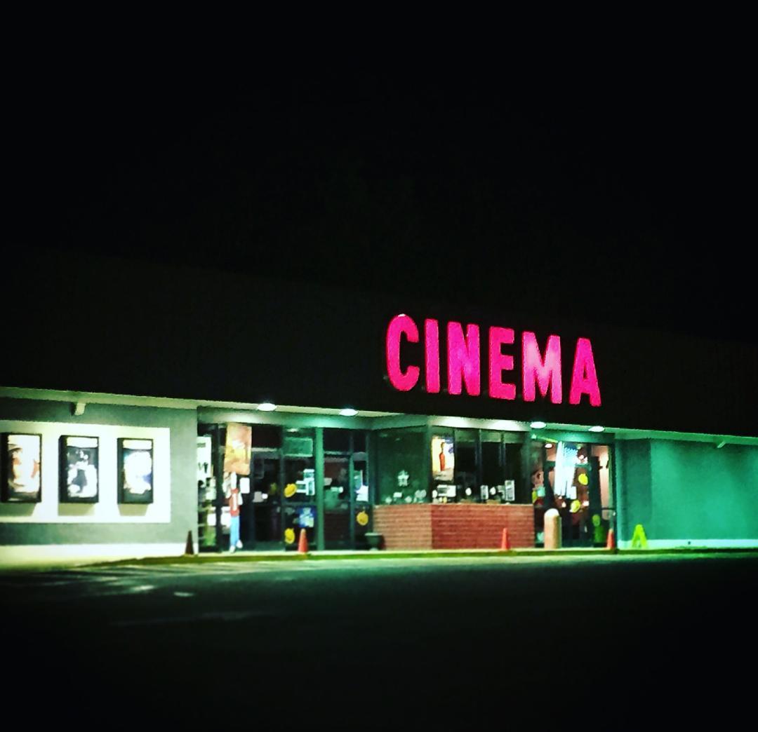 Southeast Cinemas Twin County Cinemas Iii -> Fotos De Cinemas